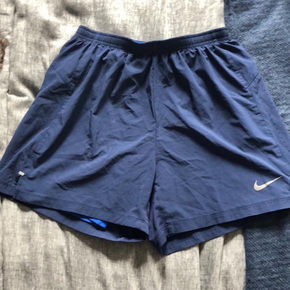 Men's Medium Nike Running Shorts with liner!